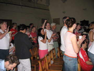 Swiss_church_crowd